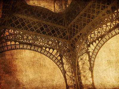 Photograph - Under Tower by Andrew Paranavitana