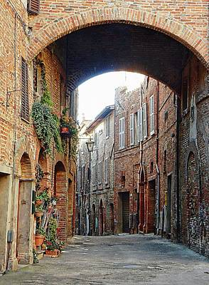 Photograph - Underneath The Arch Citta Della Pieve Umbria by Dorothy Berry-Lound