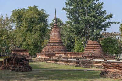 Photograph - Unidentified Wat Wihan And Chedi Dthst0074 by Gerry Gantt