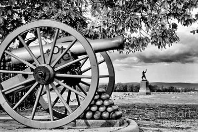 Civil War Cannon Balls Photograph - Union Gun At Pickette's Charge by Paul W Faust - Impressions of Light