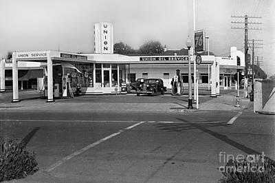 Photograph - Union Oil Service 76 Gas Station Circa 1940 by California Views Archives Mr Pat Hathaway Archives