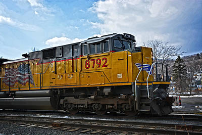 Photograph - Union Pacific 8792 Idles by Mike Martin