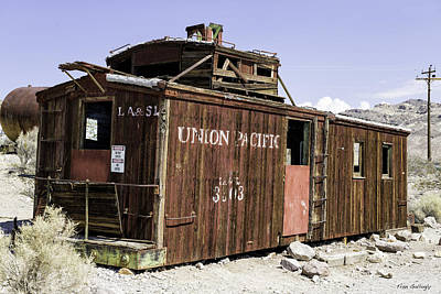 Photograph - Union Pacific Caboose by Fran Gallogly