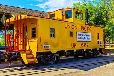 Caboose Photograph - Union Pacific Caboose by Garry Gay