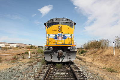 Benicia Photograph - Union Pacific Locomotive Trains . 5d18644 by Wingsdomain Art and Photography