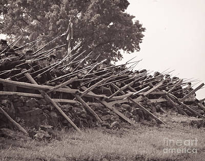 Photograph - Union Soldiers With Fixed Bayonets At Gettysburg 0179s by Cynthia Staley