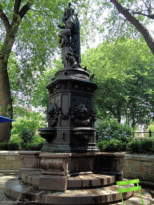 Photograph - Union Square Park Water Fountain by Iowan Stone-Flowers