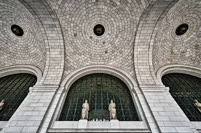 Photograph - Union Station Entrance Arch #2 by Stuart Litoff