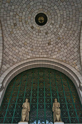 Photograph - Union Station Entrance Arch by Stuart Litoff
