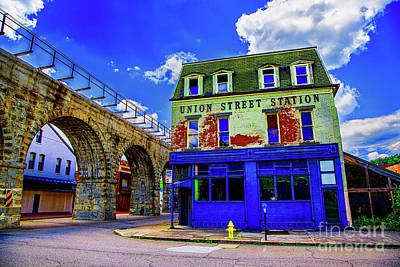 Photograph - Union Street Station by Rick Bragan