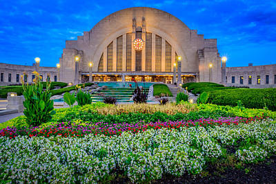 Union Terminal At Sunrise Art Print by Keith Allen