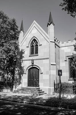 Photograph - Unitarian Universalist Church Of Savannah Bw by Reid Callaway