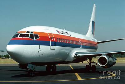 Photograph - United 737 by James B Toy