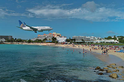 Photograph - United Airlines 737 Landing At St. Maarten Airport by David Gleeson