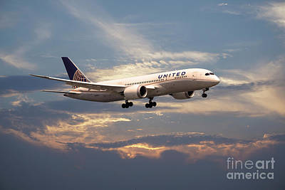 Boeing 787 Dreamliner Digital Art - United Airlines B787-8 Dreamliner N26906  by J Biggadike