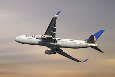 Mixed Media - United Airlines Boeing 767-322 1 by Smart Aviation