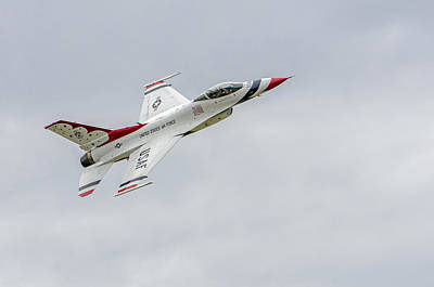 Photograph - United States Air Force Thunderbirds   03 by Susan McMenamin
