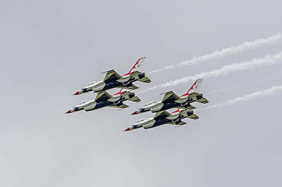 Photograph - United States Air Force Thunderbirds   05 by Susan McMenamin