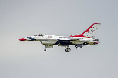 Photograph - United States Air Force Thunderbirds   06 by Susan McMenamin