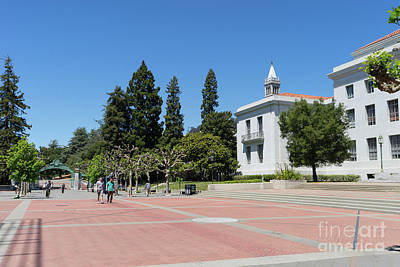 Photograph - University Of California At Berkeley Sproul Plaza Sather Gate And Sather Tower Campanile Dsc6247 by San Francisco Art and Photography