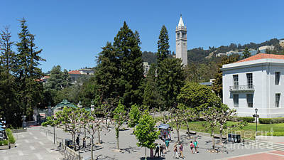 Photograph - University Of California At Berkeley Sproul Plaza Sather Gate And Sather Tower Campanile Dsc6254 by San Francisco Art and Photography