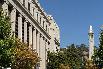 Photograph - University Of California Berkeley The Campanile From The Valley Life Sciences Bldng Dsc4620 by Wingsdomain Art and Photography
