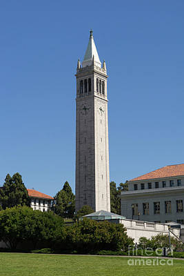 Photograph - University Of California Berkeley Sather Tower The Campanile From The Doe Library Dsc4702 by Wingsdomain Art and Photography