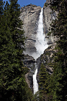 Yosemite Falls Photograph - Upper And Lower Yosemite Falls by Garry Gay