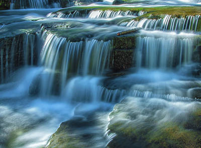 Photograph - Upper King Falls by Jonathan Nguyen