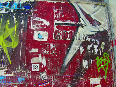 Photograph - Urban Art 1 by Wendy Le Ber
