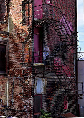 Photograph - Urban Decay - Crumbling Hotel by Ron Grafe