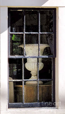 Photograph - Urn by Janice Drew
