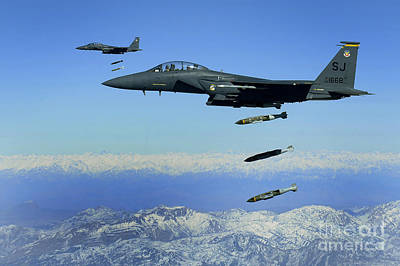 Middle Ground Photograph - U.s. Air Force F-15e Strike Eagle by Stocktrek Images