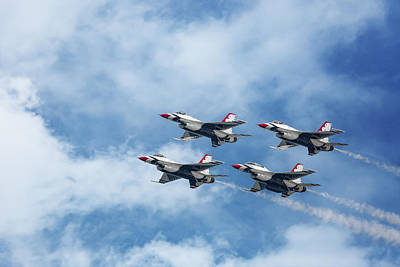 Photograph - Us Air Force Thunderbirds by Dale Kincaid