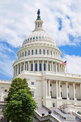Pop Art - US Capitol Building by Leslie Banks