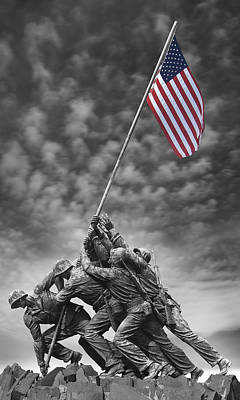 Raising Photograph - Us Marine Corps War Memorial by Mike McGlothlen