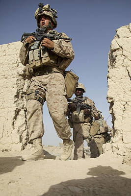 U.s. Marines Leaving Their Forward Art Print