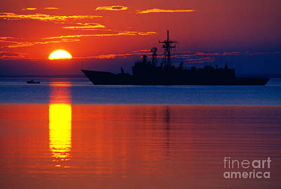 Us Navy Destroyer At Sunrise Art Print by Thomas R Fletcher