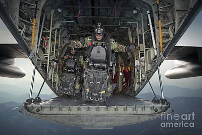 Navy Seals Photograph - U.s. Navy Seals Combat Diver Prepares by Tom Weber