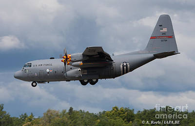 Photograph - Usaf Ang  C-130 On Landing by Antoine Roels