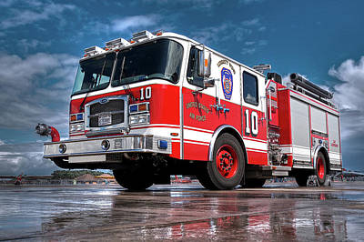 Photograph - Usaf Lakenheath Fire Truck by Gill Billington