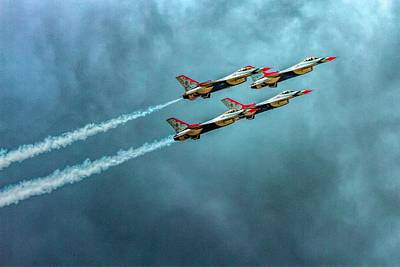 Photograph - Usaf Thunderbirds by Bill Gallagher