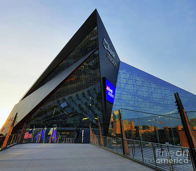 Usbank Stadium The Approach Art Print