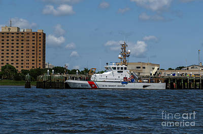 Photograph - Uscgc Coast Guard Yellowfin 87319 by Dale Powell