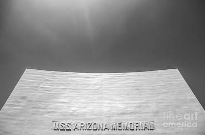 Uss Arizona Memorial In Black And White Art Print by Diane Diederich