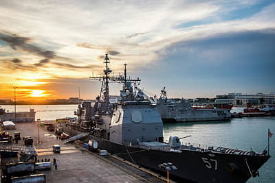 Photograph - Uss Lake Champlain Cg57 Moored Pierside In Singapore by Paul Fearn