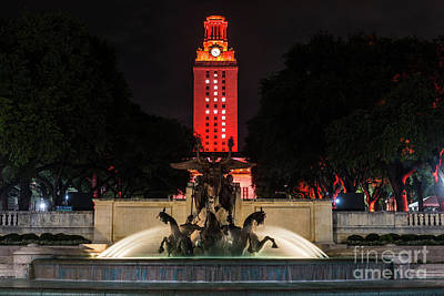 Ut Austin Photograph - Ut Tower With Littlefield Fountain by Tod and Cynthia Grubbs