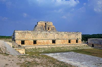 Mayan Photograph - Uxmal Pyramid by Buddy Mays