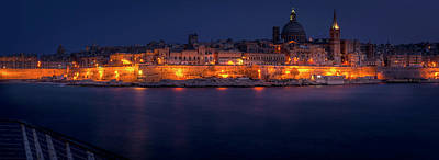 Photograph - Valetta At Night by Andrew Matwijec