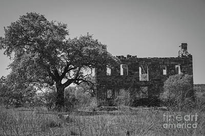 Photograph - Valley Spring Ruin - 2358 Monochrome by Teresa Wilson